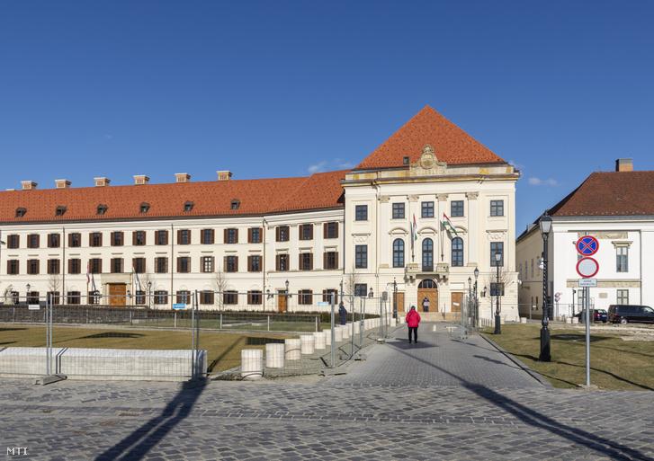 A Karmelita kolostor a Miniszterelnöki Kabinetiroda épülete a Budai Várban.