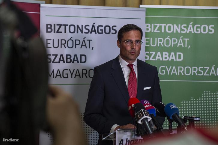 Gyöngyösi Márton, a Jobbik EP-listavezetője sajtótájékoztatót tart az Országgyűlés Irodaházában az európai parlamenti (EP-) választás napján, 2019. május 26-án.
