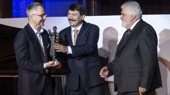 Barabási Albert-László fizikus-hálózatkutató kapta idén a Bolyai-díjat