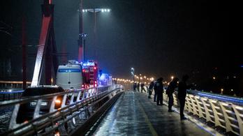 Szöul egy 18 tisztviselőből álló csoportot küld Magyarországra a hajóbaleset miatt