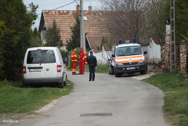 A rendőrség egy 23 éves férfit gyanúsít a kulcsi négyes gyilkossággal. A férfit fél egy körül fogták el a TEK kommandósai.