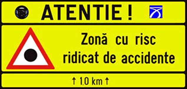 Veszélyes útszakaszra figyelmeztető tábla