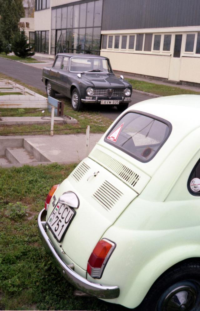 Egy Veterán-aukción a két szemünk fénye. A Fiat elment, az Alfa maradt. Még egy kicsit
