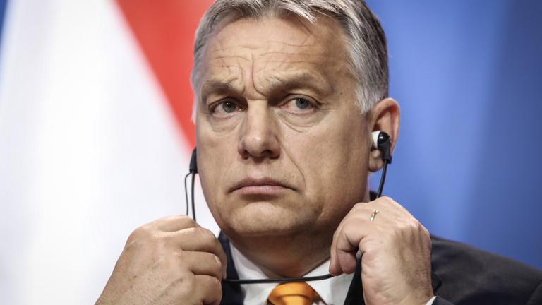 Orbán régen hátrált meg ennyire