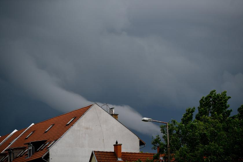 Tuba, azaz felhőtölcsér Debrecen felett 2019. május 29-én.