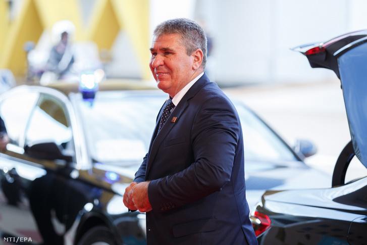 Bodó Sándor a Pénzügyminisztérium (PM) foglalkoztatáspolitikáért és vállalati kapcsolatokért felelõs államtitkára