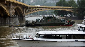 7 dead, 21 missing after sightseeing boat collides with cruise ship on the Danube in Budapest