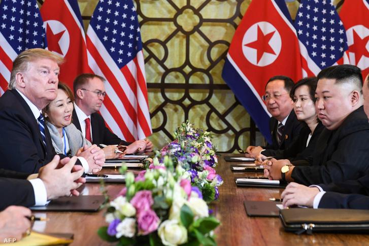 Donald Trump és Kim Dzsongun találkozója Hanoiban 2019. február 28-án