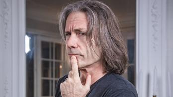 Az Iron Maiden énekese csak beszélgetni szeretne