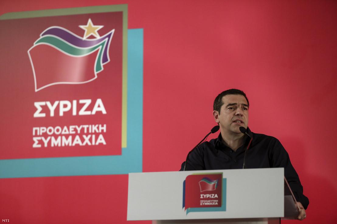 Alekszisz Ciprasz görög miniszterelnök pártja a Sziriza athéni ülésén 2019. május 27-én. Ciprasz az előző este előrehozott parlamenti választásokat jelentett be mert pártja vereséget szenvedett az európai parlamenti választásokon.