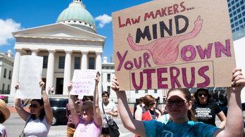 Egyre több filmstúdió és sztár emel szót a Georgia állambeli abortusztörvény ellen