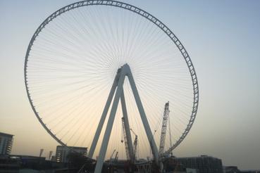 A jelenleg még épülő 210 méteres Dubai Eye, ami kész állapotában 1400 ember befogadására lesz majd képes.
