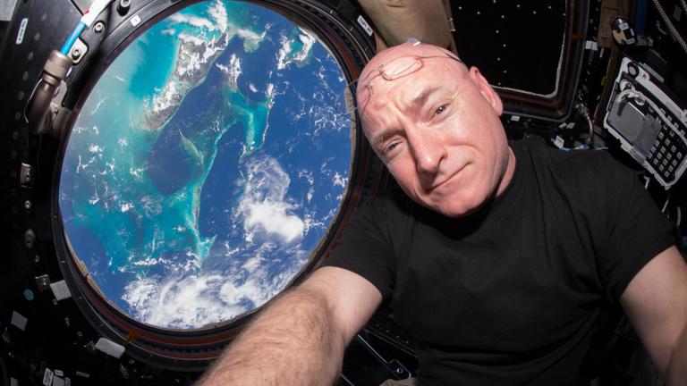 Épp életveszélyben voltunk az űrben, erre interjút kellett adnunk