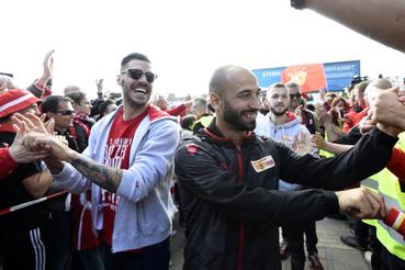 A múlt csütörtöki első mérkőzésen, Stuttgartban 2-2 volt a végeredmény, így a másodosztály harmadik helyén végző berliniek idegenben szerzett több góllal jutottak fel.