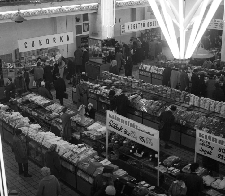 Corvin Áruház Bevásárlóközpont 1967-ben