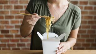 Hogy lehet normálisan enni a kínaikajás-dobozból?