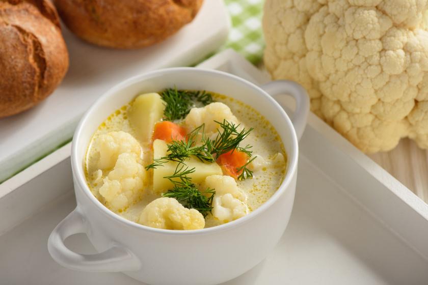Zamatos karfiolleves újkrumplival: 30 perc alatt megfő