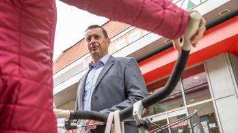 Lemond a Jobbik elnöksége