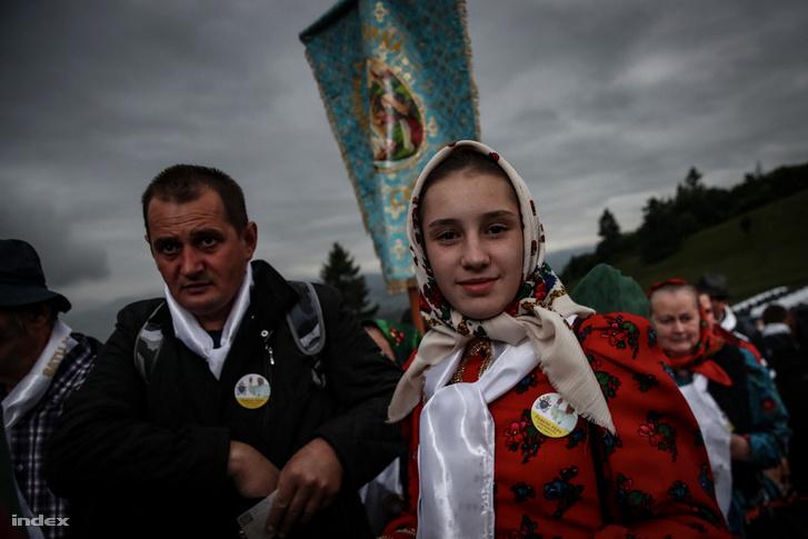 110 ezren regisztráltak a csíksomlyói pápalátogatásra, a történelmi napra, amikor először jön katolikus egyházfő Erdélybe, de ennél is több embert várnak, többségében magyarokat, de vannak román nyelvű római katolikusok, görögkatolikusok is sokan.