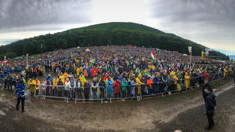 Ferenc pápa 100 ezer magyar előtt misézett Erdélyben