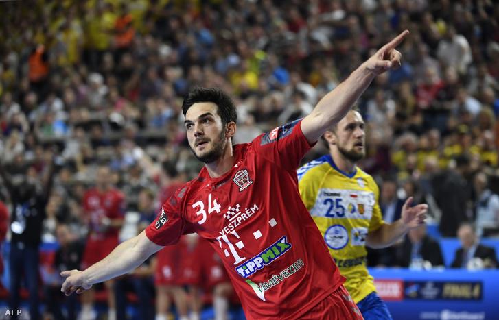 Petar Nenadić gólt ünnepel
