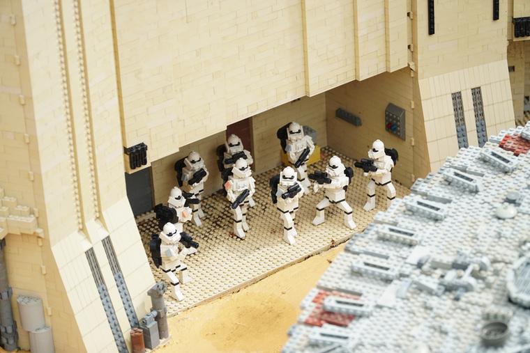 Nincs Legoland Star Wars nélkül – üzenik a birodalmi rohamosztagosok.