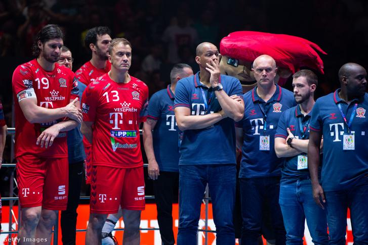 Nagy László és Momir Ilics a pódiumon az elvesztett Bajnokok Ligája döntő után Kölben 2019. június 2-án