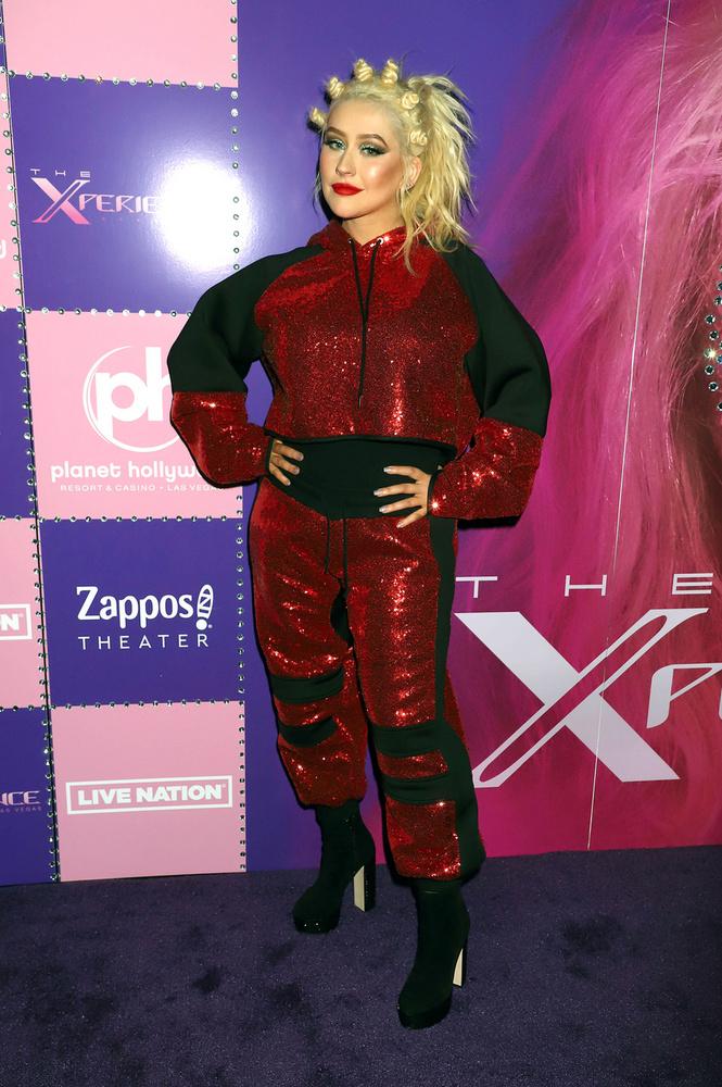 The Xperience címmel, a nyár első napján indult útjára Christina Aguilera első Las Vegasi residencyje, vagyis ő is beállt azoknak a sztároknak a sorába, akik kibérelték Las Vegas egyik kaszinóhoteljének előadótermét, hogy néhány hónapra beköltöztessék oda a show-jukat.De mi is történ mostanában az énekesnővel és hogy kötött ki a  Planet Hollywood Resort & Casinóba?Már mondjuk is