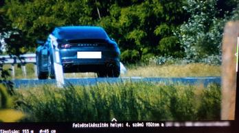 Vasárnapi száguldás Téglásnál: az egyik autót 195-tel, a másikat 208-cal mérték be