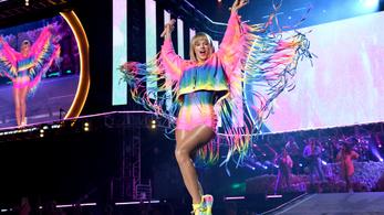 Taylor Swift Trumpot bírálta, és kiállt a melegjogokért