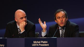 Erősebben le sem szólhatta volna Platini a FIFA-elnököt