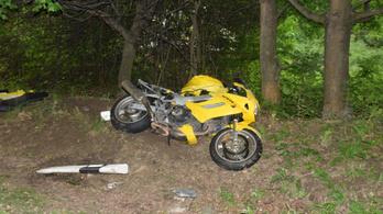 Halálos motorbaleset történt Cseszneknél