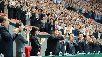 Kim Dzsongun két hónapja eltűnt húga is megjelent a nyilvánosság előtt