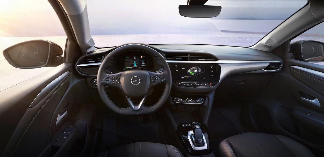 Rendes Opel-belső, tekerős szellőzőgombokkal