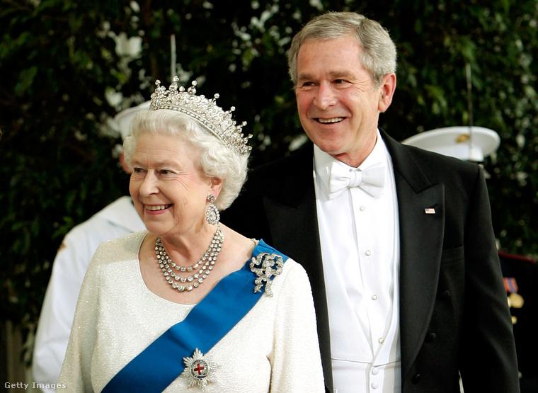 Őfensége és Bush elnök jót derülnek valamin