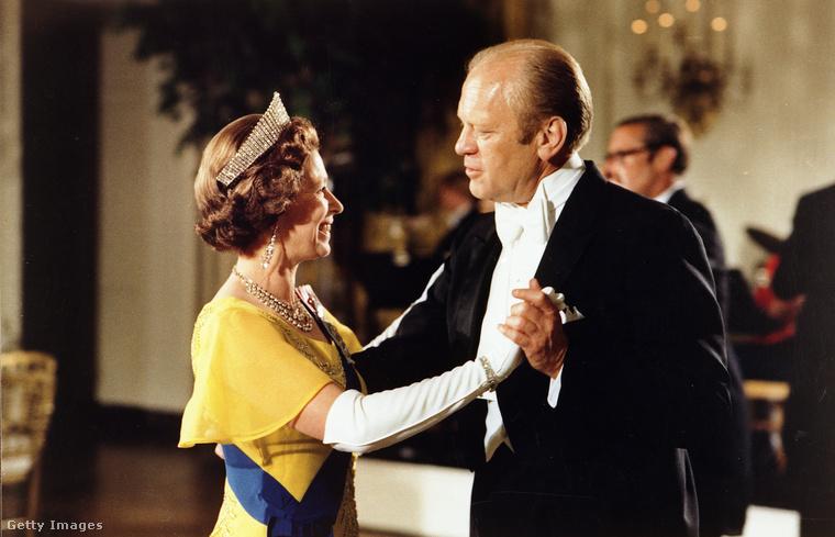 Erzsébet királynő és Gerald Ford elnök tánca 1976-ban