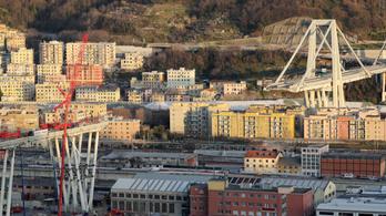 Lebontják a genovai Morandi híd alatti épületeket