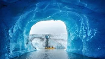 A turisták özönlenek a gleccserekhez, hogy lássák őket, mielőtt elolvadnak