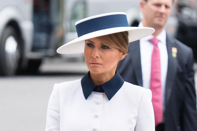 Kiköpött Diana: Melania Trump olyan ruhát viselt, mint a szívek hercegnője