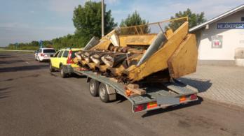Egy román sofőr a megengedettnél 500 kilóval nagyobb súlyt vontatott