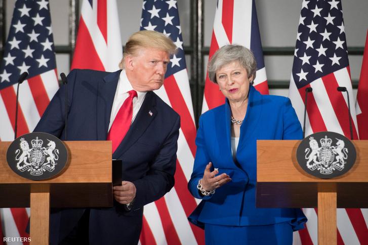 Theresa May és Donald Trump 2019. június 4-én.