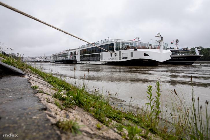 A Viking Sigyn szállodahajó Budapesten 2019. május 30-án