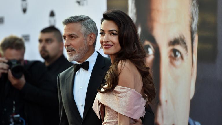 Amal Clooney ragyogásából a férjének is jut egy kicsi