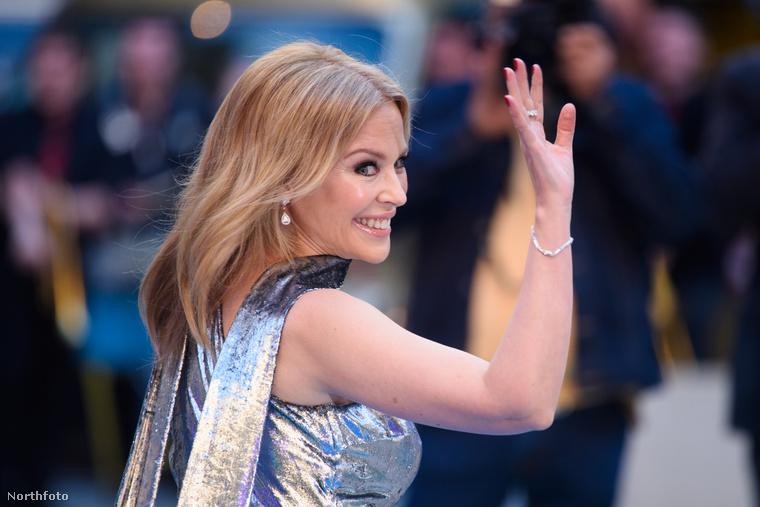 Itt véget is ért Kylie Minogue története, de ne feledje, ha bármi érdekesség történik a vörös szőnyegen, mi azonnal beszámolunk róla.Térjen vissza hozzánk máskor is!