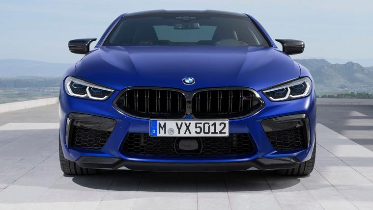 Nézzék, ez már az utcai M8-as BMW