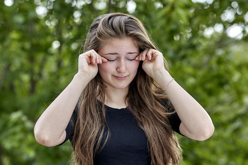 Baktériumtól vagy allergiától is viszkethet a szem: teljesen más kezelést igényel