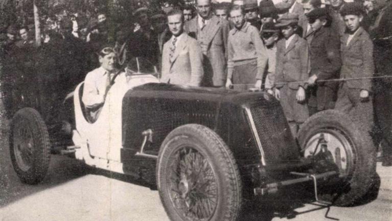 Horthy díszpáholyból integetett az első Magyar Nagydíjon