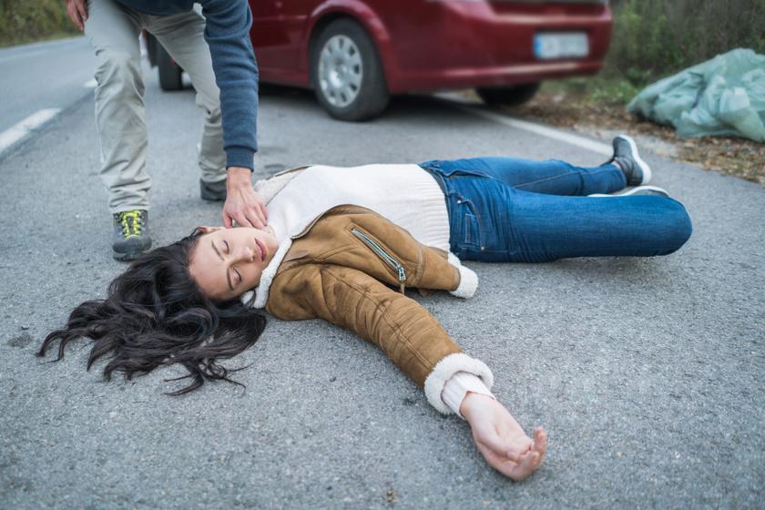 utazo-rosszullet-baleset-ajulas