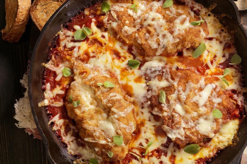 Paradicsomos, sajtos, rántott csirkemell: dobd fel a hétvégi kedvencet