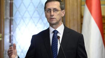 Varga Mihály: Nem gond a gyenge forint, mert Magyarországon is sok a látnivaló